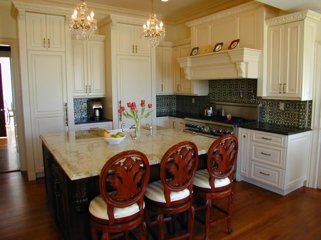 Victorian kitchen for Traditional victorian kitchen designs