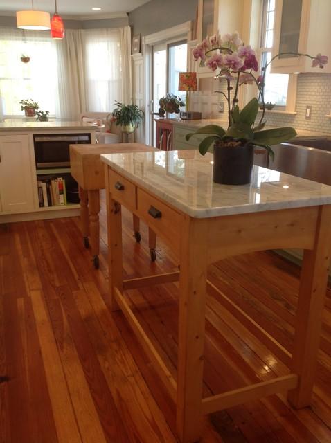 Victorian kitchen remodel traditional kitchen for Traditional victorian kitchen designs