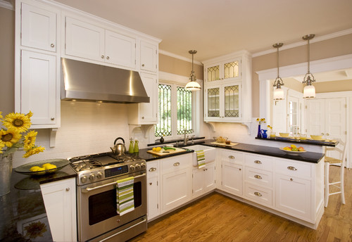 traditional kitchen - The Three Important Questions to ask about Range Hoods