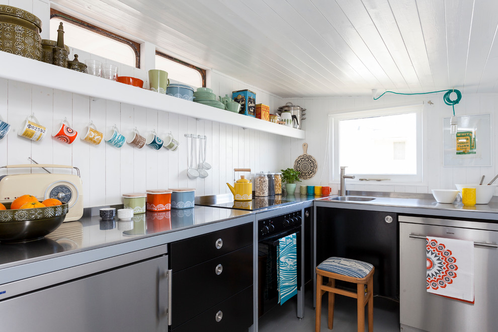 Inspiration for a scandinavian kitchen remodel in London