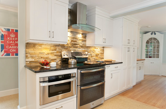 Bamboo Plant in addition View Of Stainless Range Hood And Built In Microwave Transitional Kitchen Bridgeport moreover 3359 Potted Plants Landscaping Kitchen Tropical With Kitchen Fixtures Kitchen Countertop Kitchen Fixtures likewise Photo likewise Photo. on transitional home decor