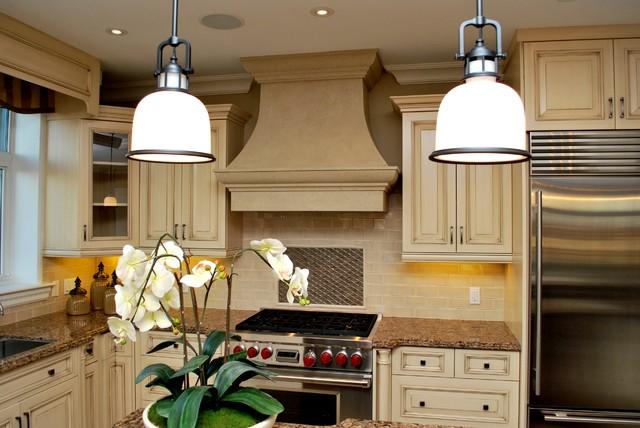 Villa traditional-kitchen