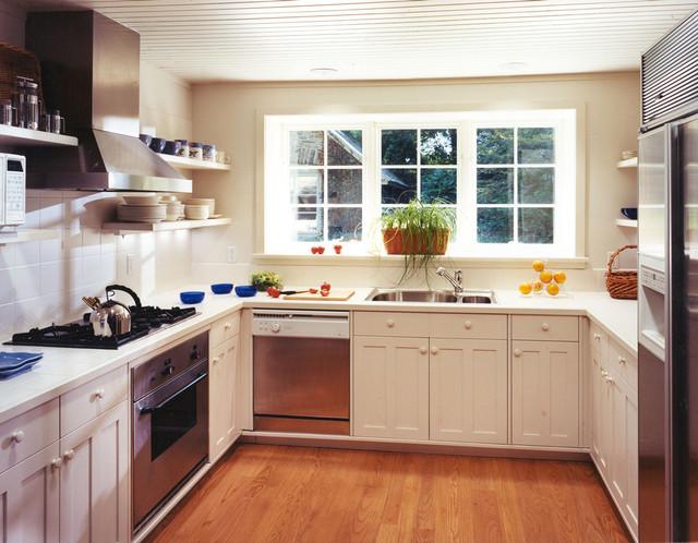 Villanova Residence 1 traditional-kitchen