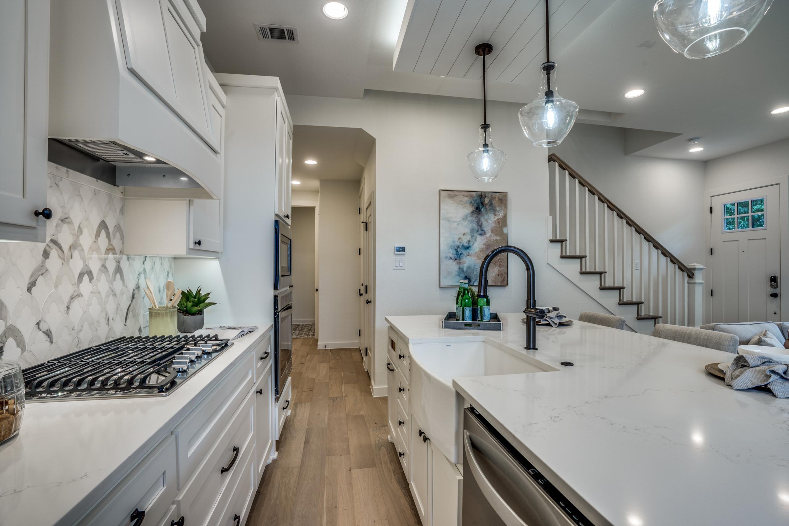 Kitchen Backsplash and Countertops