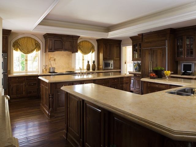 Vineyard Estate traditional kitchen