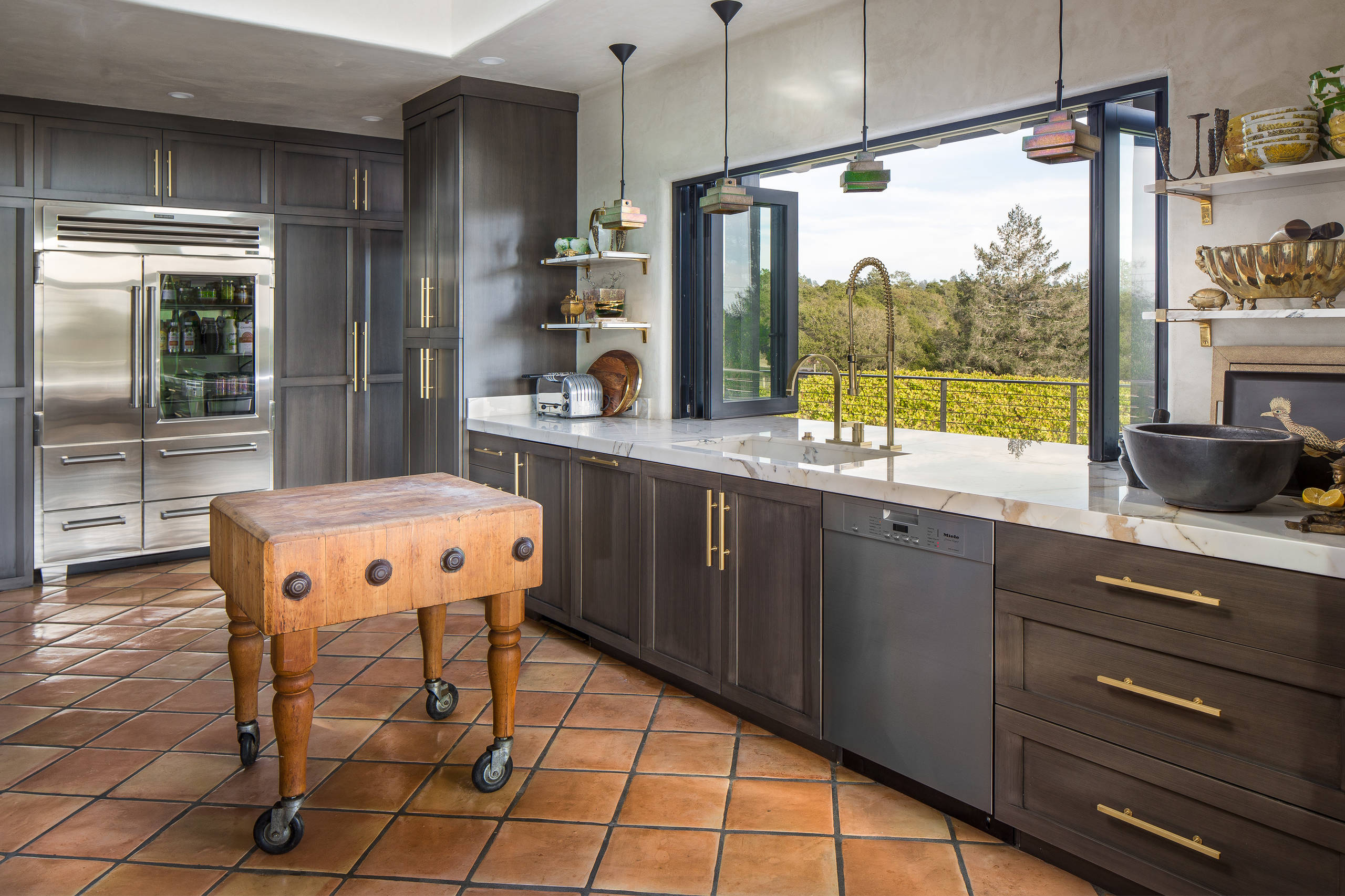 75 Beautiful Kitchen With Gray Cabinets And Marble Countertops Pictures Ideas December 2020 Houzz