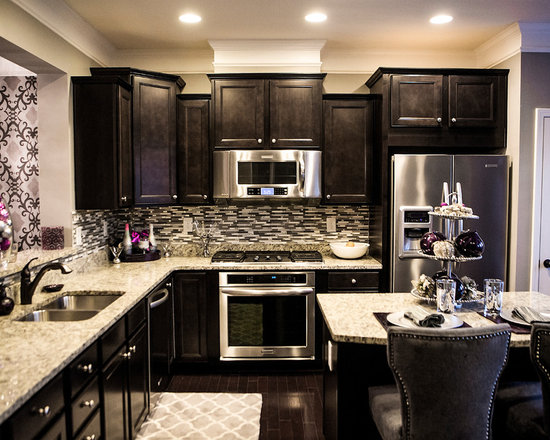 Cabinets, Granite Countertops, Stainless Steel Appliances, an