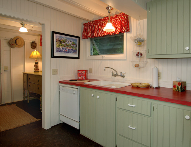 Bay View  Traditional  Kitchen  detroit  by Periwinkle Designs