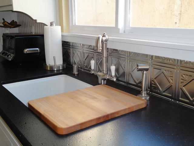 Vintage Black & White Kitchen traditional-kitchen