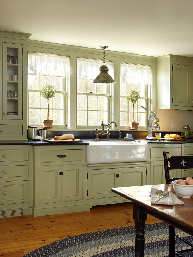 Inspiration for a cottage kitchen remodel in New York
