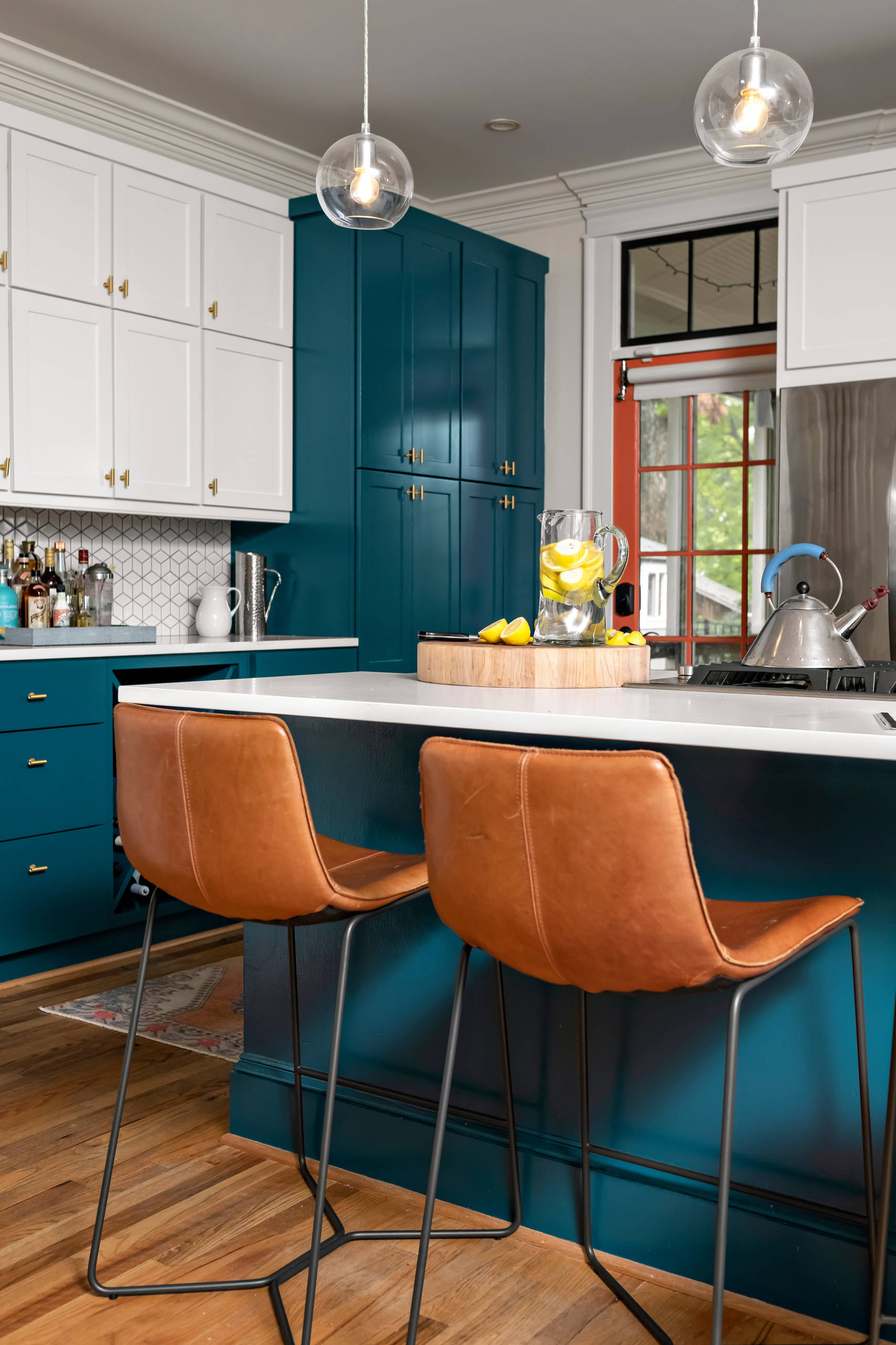 75 Beautiful Kitchen With Turquoise Cabinets Pictures Ideas April 2021 Houzz