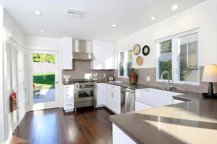 Kitchen - eclectic kitchen idea in Los Angeles with quartz countertops