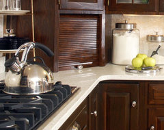 Virginia Estate Kitchen traditional-kitchen