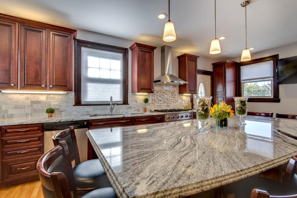 Viscont White granite countertops with Cherry cabinets ... on Backsplash Ideas For Black Granite Countertops And Cherry Cabinets  id=89489