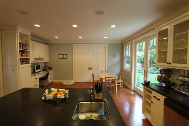 Visconti Kitchen traditional-kitchen