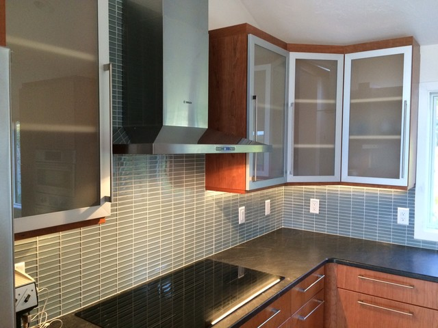 Vivaro Aluminum Frame Kitchen Cabinet Doors with Frosted ...