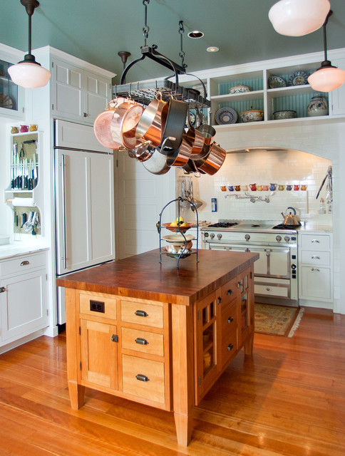 Volunteer Park Kitchen Traditional Kitchen Seattle By - Seattle custom cabinets