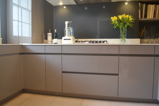 Von Schmidt - Contemporary - Kitchen - London - by Leicht Kitchen ...