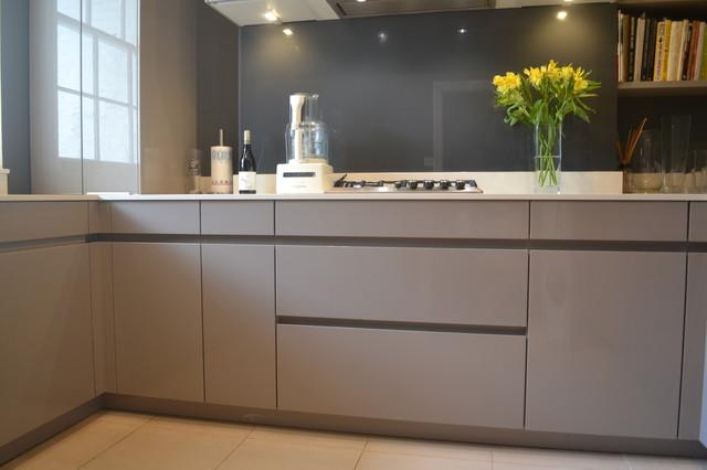 Bon Von SchmidtContemporary Kitchen, London
