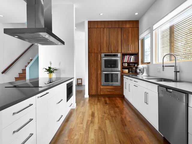 W House Modern Kitchen Edmonton By Richlyn Custom