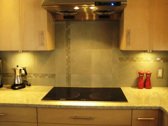 W. Kitchen Tile & Backsplash Ideas traditional-kitchen
