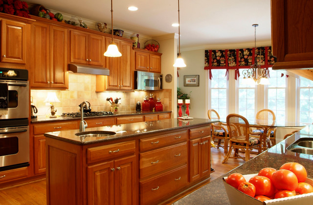 Waddell Custom Homes Interiors traditional-kitchen