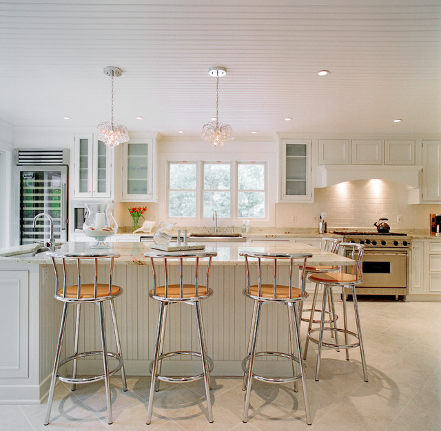 Wainscott contemporary kitchen for Hampton style kitchen stools