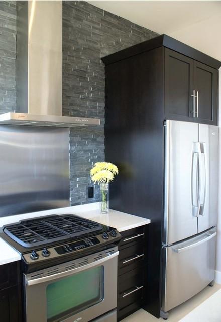 wakefeild beach contemporary-kitchen
