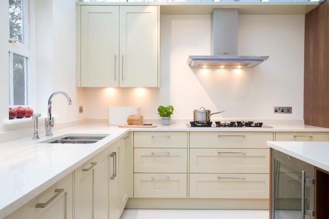Incroyable Walnut U0026 Painted Classic Panel Kitchen Traditional Kitchen