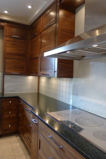 Walnut horizontal grain kitchen - Contemporary - Kitchen - indianapolis - by Susan Brook Interiors