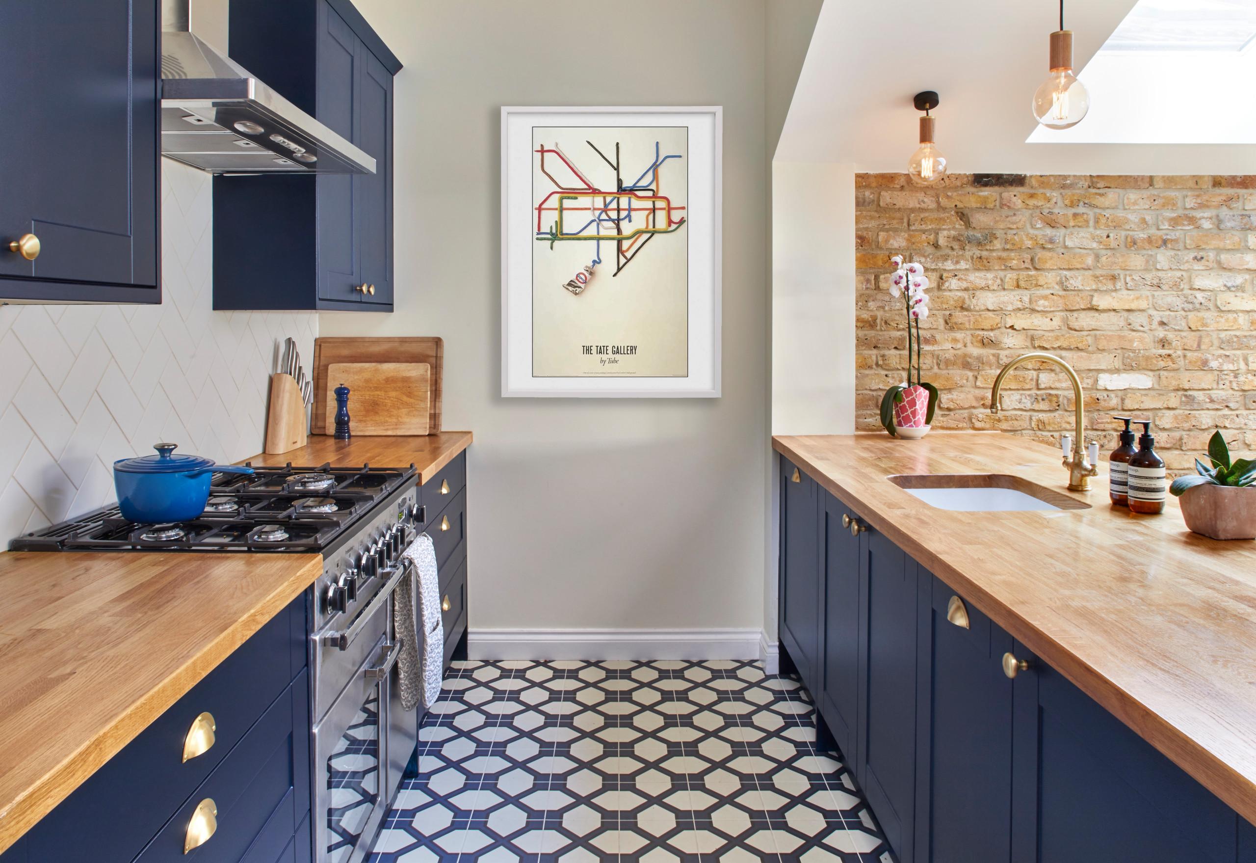 Which Flooring Looks Best With a Dark Blue Kitchen   Houzz UK