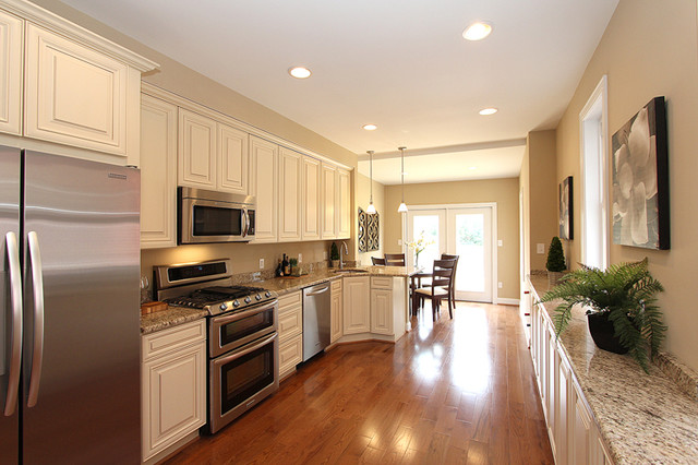 Street Traditional Kitchen Open Floor Plan Traditional Kitchen
