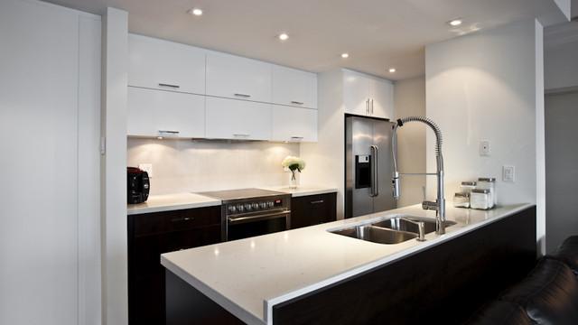 warm & modern modern-kitchen