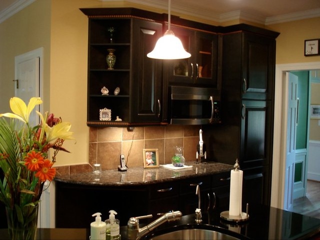 Warm And Modern Kitchen Design In Raleigh Traditional Kitchen Raleigh