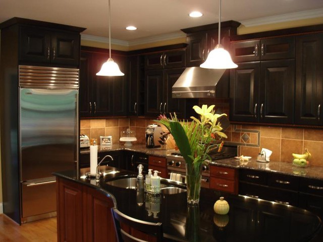 Warm and modern kitchen design in raleigh modern for Kitchen design raleigh