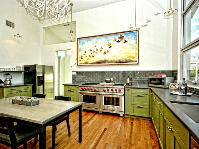 Warm Commercial Kitchen In Small Austin Home Transitional Kitchen Austin By Kohlhaas Architects Houzz Uk