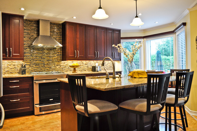Warm entertaining kitchen transitional kitchen for Entertaining kitchen designs