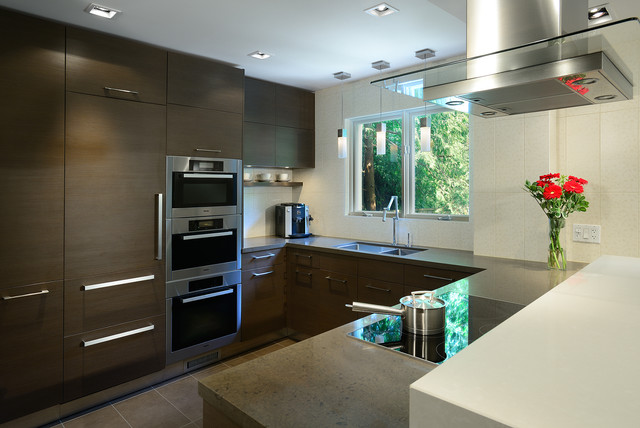 Warm Modern Kitchen