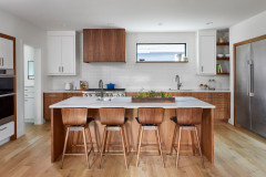 4 Pro Tips for Designing a Balanced White-and-Wood Kitchen