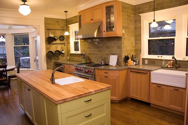 Warmington North Contemporary Kitchen