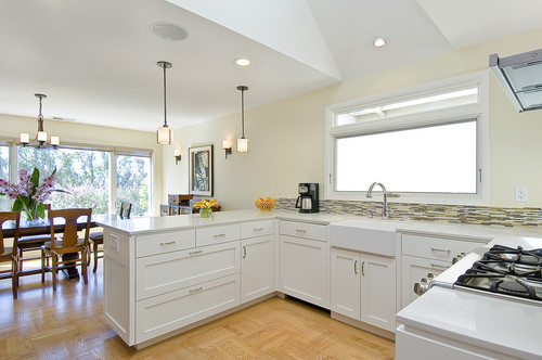 contemporary kitchen Kitchen Islands? What About A Kitchen Peninsula?