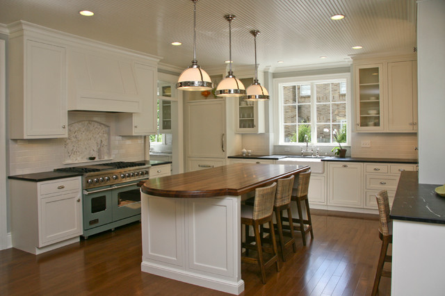 Large Transitional L Shaped Eat In Kitchen Photo In Grand Rapids With A  Farmhouse