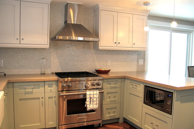 Kitchen  Beach Style  Kitchen  toronto  by Absolute Cabinets Inc