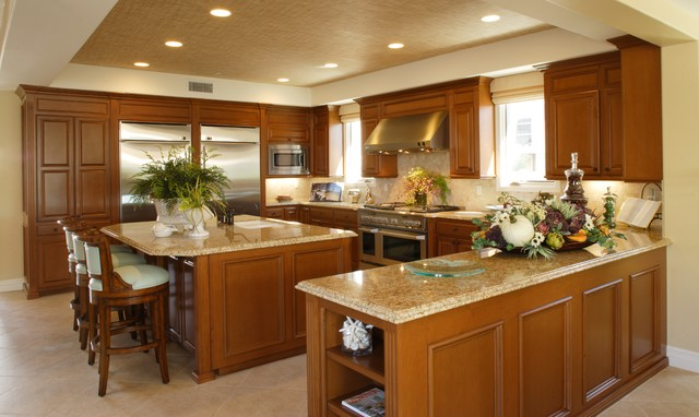 Water Front Vacation Home beach-style-kitchen