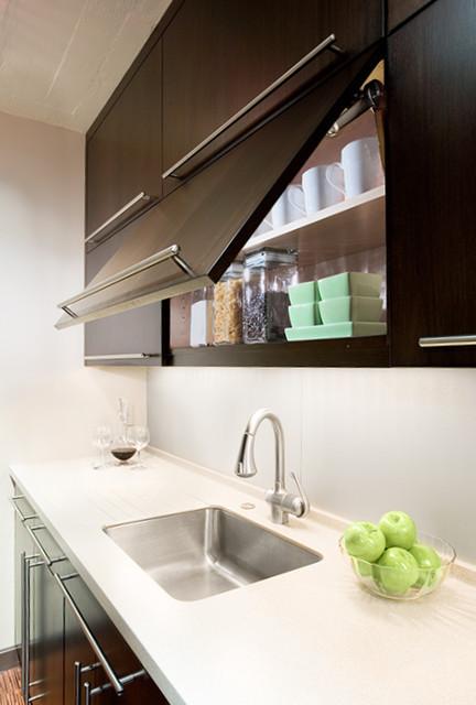 waterfront home kitchen