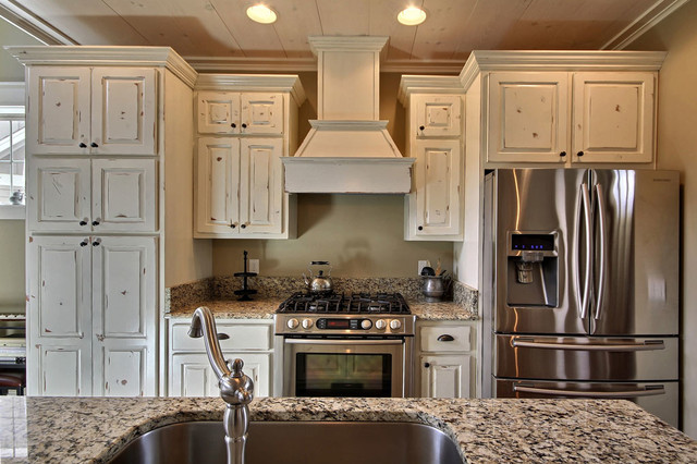 Waters Edge, Lake Chatuge traditional-kitchen