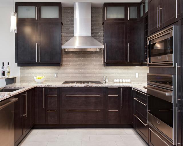 Waters edge modern kitchen ottawa by natasha nash for Kitchen cabinets ottawa