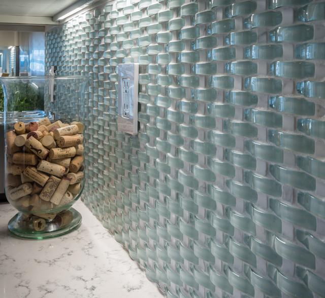 Wavy Gl Mosaic Backsplash Traditional Kitchen