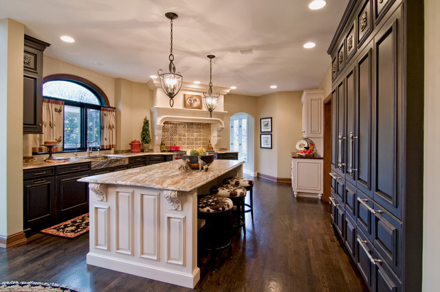 Wayzata Traditional traditional-kitchen