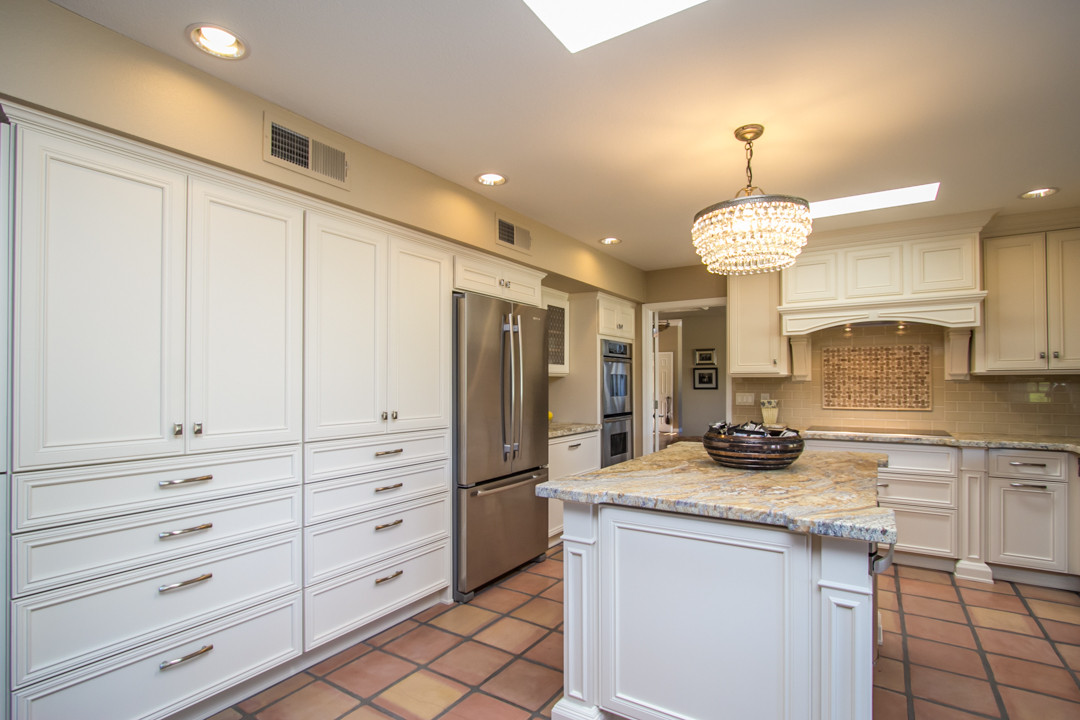 Weathersfield White Kitchen Cabinetry